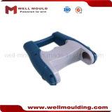 プラスチック部品の形成のためのプラスチック注入型型