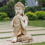魅力的な樹脂の女性の仏の彫像