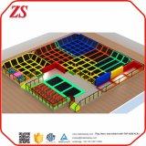 Interiores personalizados trampolín gigante colorido gimnasio con espuma hoyo