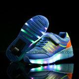 De hete Verkopende Glanzende Lichte Schoenen van de Rol rijden de Schoenen van Heelys van de Schoenen van de Gids van Schoenen