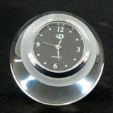 Horloge en cristal de diamant avec la base en cristal