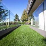 4つのカラー標準的な人工的な草