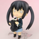 Figura bonita do Anime da menina com instrumento