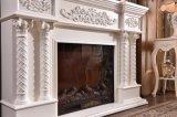 白く自然なHandcarvingの石造り暖炉