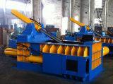 Ballen, der hydraulische Schrott-Stahl-Ballenpresse drückt