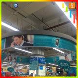 Висел рекламный баннер для магазина