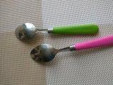 Ложка нержавеющей стали с пластичной ручкой