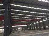 Costruzione della struttura d'acciaio del magazzino del workshop con il Ce