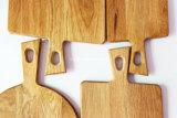 Изготовленный на заказ разделочная доска хлеба прерывая доски древесины дуба логоса