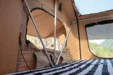 kampierendes Dach-Spitzenzelt des nicht für den Straßenverkehr Überlandim freienauto-4X4 mit Markise