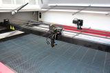 Цена гравировального станка вырезывания лазера автоматического питания СО2 тканья кожаный