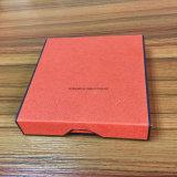 Boîte-cadeau de confiserie avec le livre de pliage dénommé