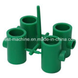 Machine de moulage injection en plastique multifonctionnelle de pipe
