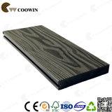 Decking contínuo ao ar livre composto de madeira de madeira