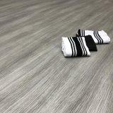Cliquez sur un revêtement de sol en PVC de couleur claire