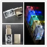 熱い販売法によってカスタマイズされるレーザーは3Dロゴ別のカラーLEDライトが付いている水晶USBの棒を刻む