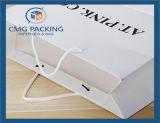 衣服のためのカスタム優雅な印刷された紙袋の白いカード