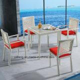 Le Tableau dinant de créateur de rotin de jardin de meubles extérieurs modernes de bonne qualité de rotin a placé pour le restaurant et l'hôtel (YT537)