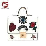 Yc-H023 Jolie broderie de couleur blanche Fashion femmes faux sac à bandoulière en cuir sac bandoulière sac à main