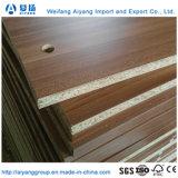 木製の穀物のメラミンペーパーは家具のための削片板のChipboardに直面した