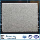 Elegante acabado en piedra de espuma de aluminio