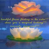 多色刷りの浮遊庭のプールの使用のロマンチックなロータスLED花