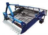 Tracteur de puissance 15-40récolteuse de pommes de terre/Sweet Potato récolteuse /Carottes Récolteuse/l'ail Récolteuse/pommes de terre Récolteuse/Récolteuse d'arachide/manioc Récolteuse/4U-1A