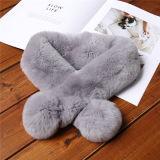 Sciarpa su ordine calda della pelliccia del coniglio di inverno spesso di modo per la signora