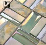 Het roze en Groene Mozaïek die van het Glas in Badkamers gebruiken