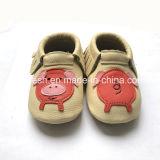 100%柔らかいSoledの本革の赤ん坊靴