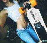 Hete Motor 4 van de Verkoop 350W*2 het Elektrische Skateboard van Longboard van Wielen