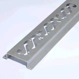 6063 a expulsé le profil en aluminium avec l'usinage de commande numérique par ordinateur