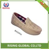中国の工場低価格の方法は男の子の学校の偶然靴をからかう