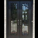 Haus und Garten zeigen bearbeitetes Eisen-Tür
