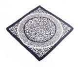 女性(LQ-PL-1004)のための柔らかい花の絹の感じのばねの正方形のバンダナ