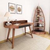 De style américain voilier en bois antique forme Bibliothèque dans la salle de séjour