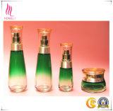 びんおよび瓶の豪華で装飾的なガラスセット