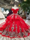 Красное стекло мантии шарика отбортовывая уникально платье венчания шнурка
