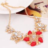 女性のためのTessellate純ファッションの上での主張のビーズの宝石類の胸当てのネックレス