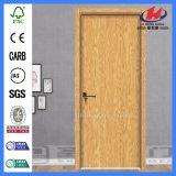 Lisser la brame en bois intérieure moulée de porte