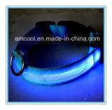 A fábrica vende por atacado o colar de cão impermeável do diodo emissor de luz com os colares de cão elásticos
