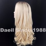 Parrucca ondulata lunga dei capelli delle donne
