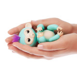 Le bébé interactif de poissons jeunes neufs d'Amazone Monkeys le jouet intelligent de singe de Lings de doigts de la batterie Lr44