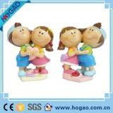 Artesanato de resina Figurinhas de casamento decorativas Estátua de menino e menina