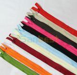 Beautiful Colors를 가진 높은 Quality Nylon Concealed Zipper
