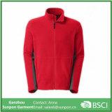 빨간색 대 고리를 가진 가장 가벼운 양털 재킷