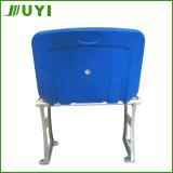 새로운 플라스틱 경기장은 알루미늄 구조를 가진 경기장 의자에 자리를 준다