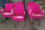 Phin 다채로운 시트 및 크롬 도금을 한 다리 (LL-0047B)를 가진 쌓을수 있는 팔 의자