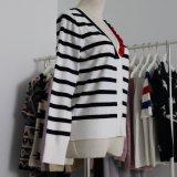 Striped Wolljacke der Damen mit bunter doppelter Schicht Placket und langen Hülsen