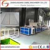 El panel de techo automático del PVC que hace la máquina en estirador de tornillo doble